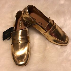 Forever 21 Gold Loafers Size 5.5